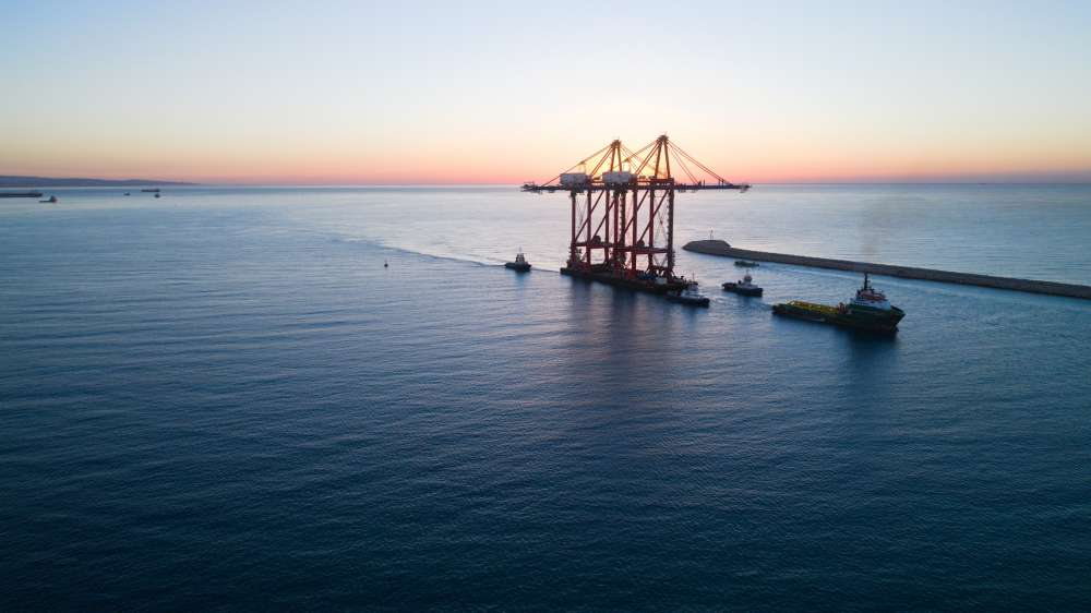 Two Super Post-Panamax cranes arrive at Limassol port