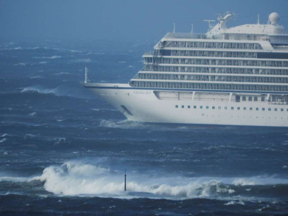 UPDATE - Cruise ship reaches Norway port after near disaster