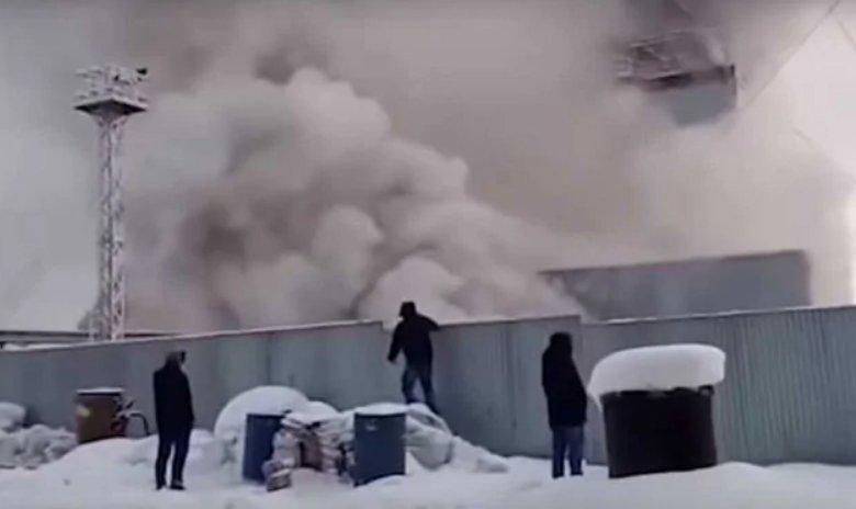 UPDATE - Nine workers die in fire at Uralkali mine in Russia