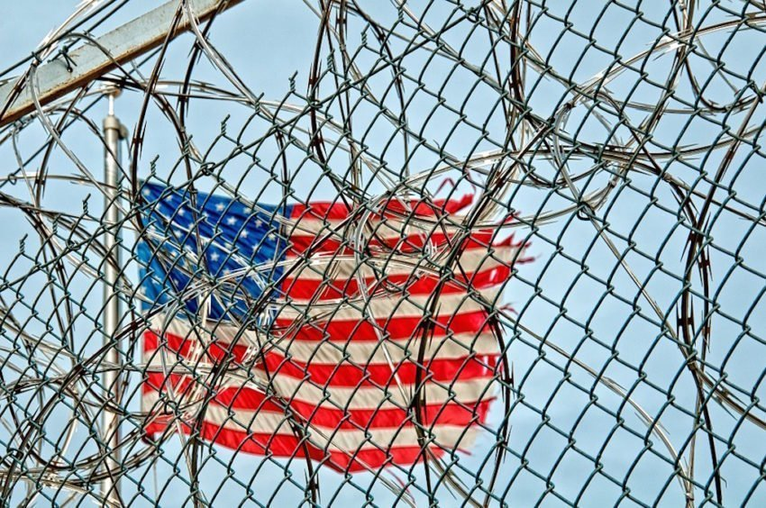 California bans private prisons and immigration detention centers