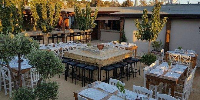 O Mpaxes Taverna