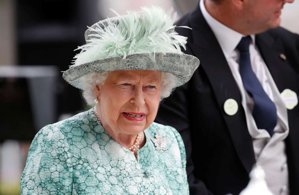 Queen Elizabeth to vacate her Buckingham Palace rooms for refit
