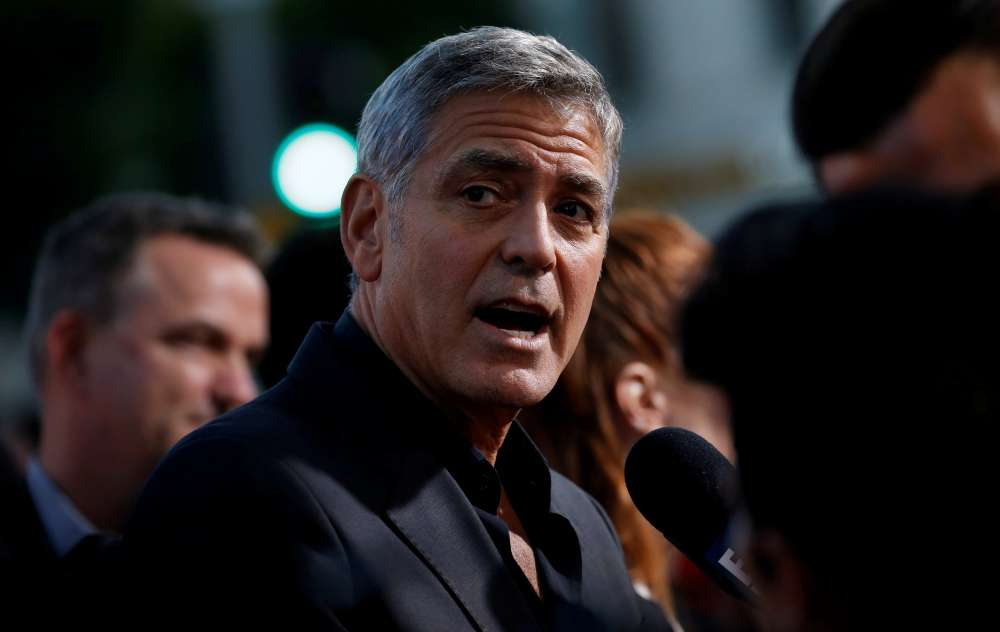 Clooney injured in scooter accident in Italy