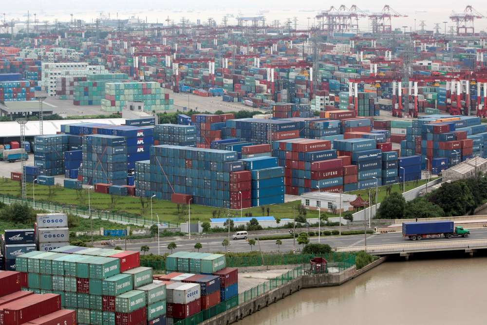 China's trade surplus with US hits record as exporters rush to beat tariffs