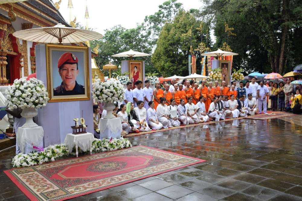 Thai cave boys ordained as Buddhist novices to honour dead rescuer