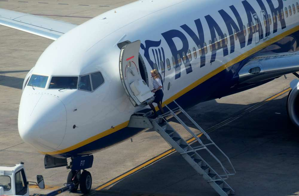 Budget carrier Ryanair ordered to drop low-emissions ad claims