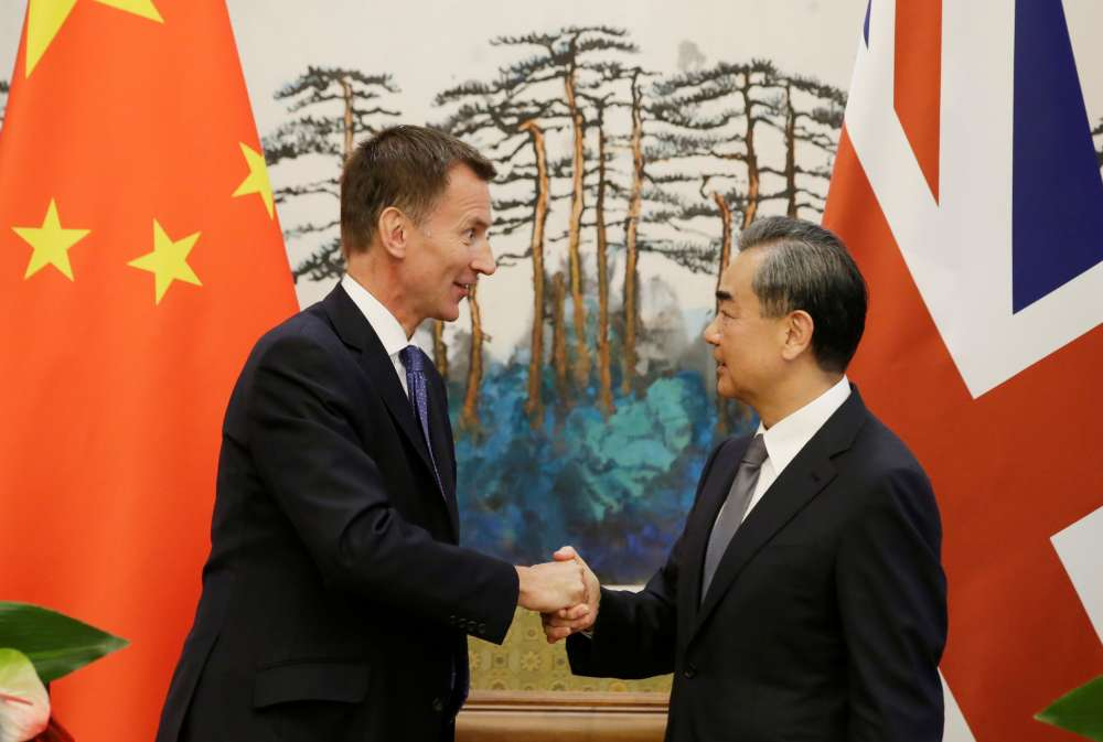 China tempts Britain with free trade