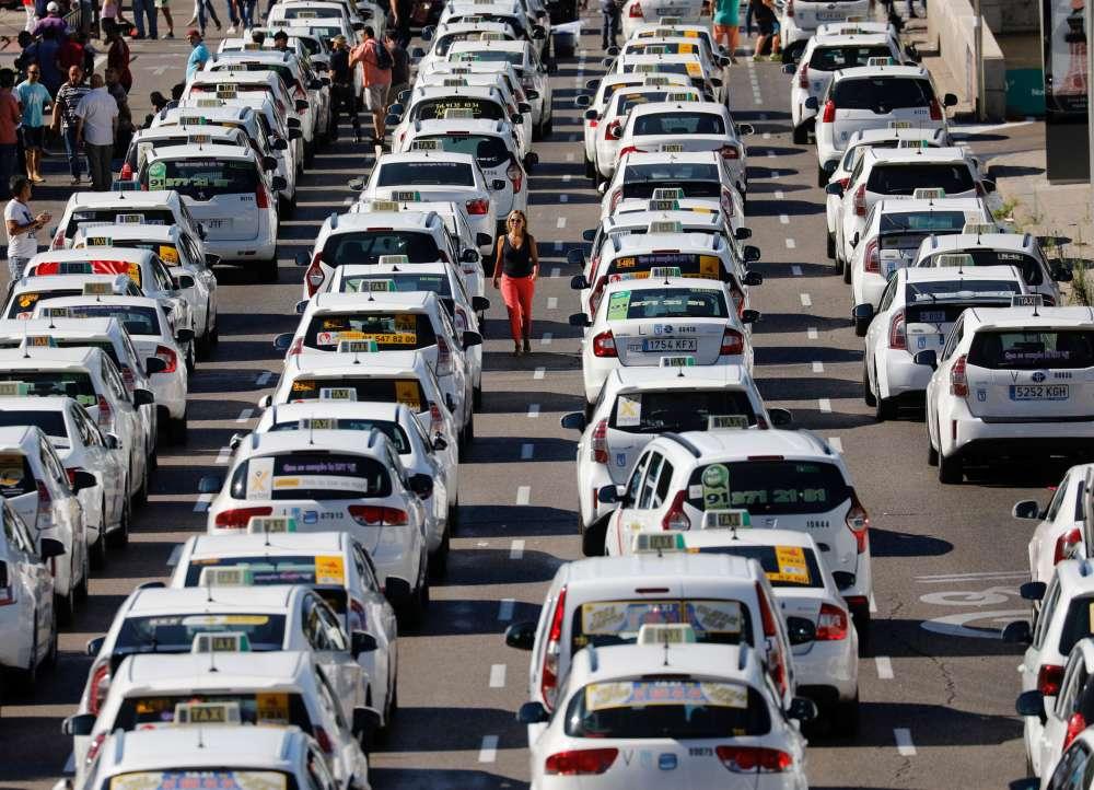 Spain taxi strike over Uber ends after six-day standstill