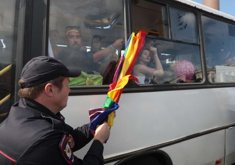 Police detain around 25 gay rights activists in St Petersburg