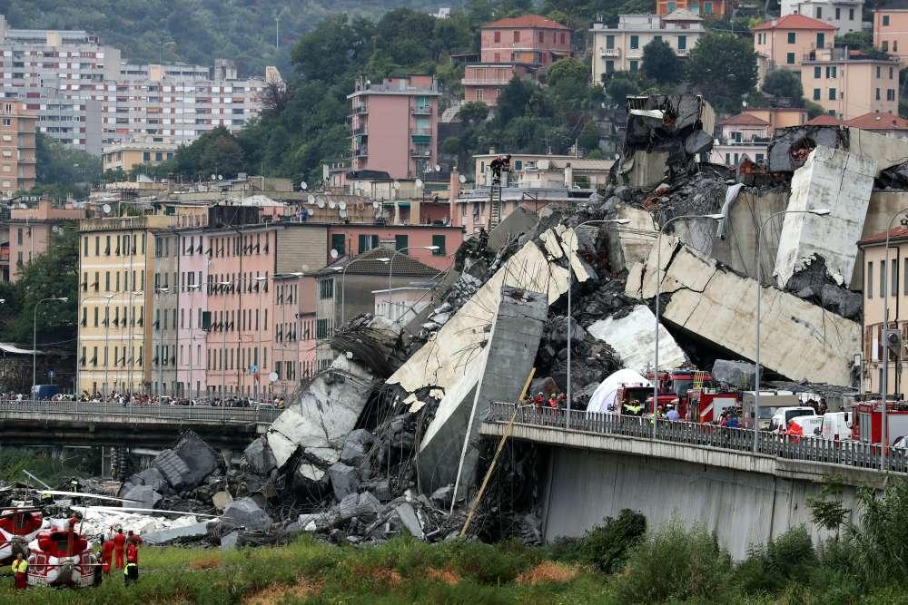 Italy opens probe into operator of collapsed bridge