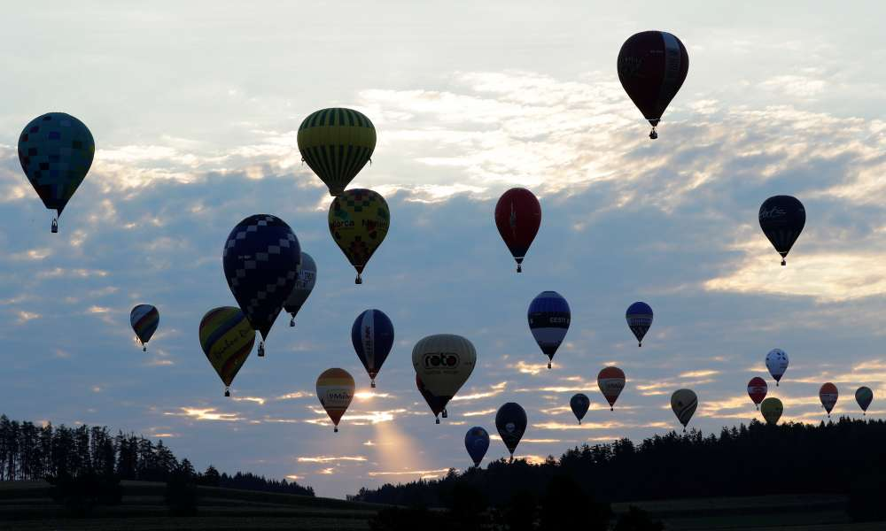 Hot air balloons take flight over Austria for world championship
