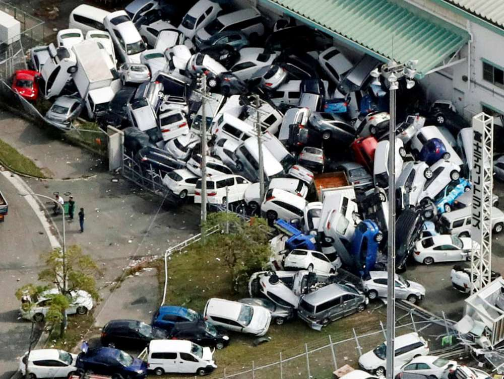 Typhoon kills 10 in Japan