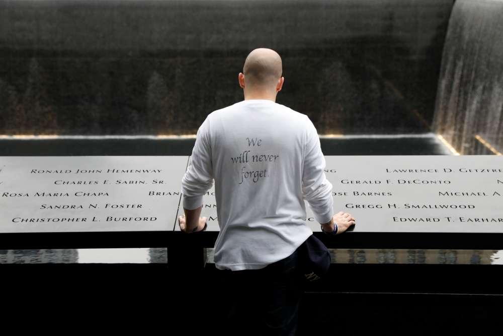 Trump pays tribute to 9/11 'true heroes' in Pennsylvania memorial visit