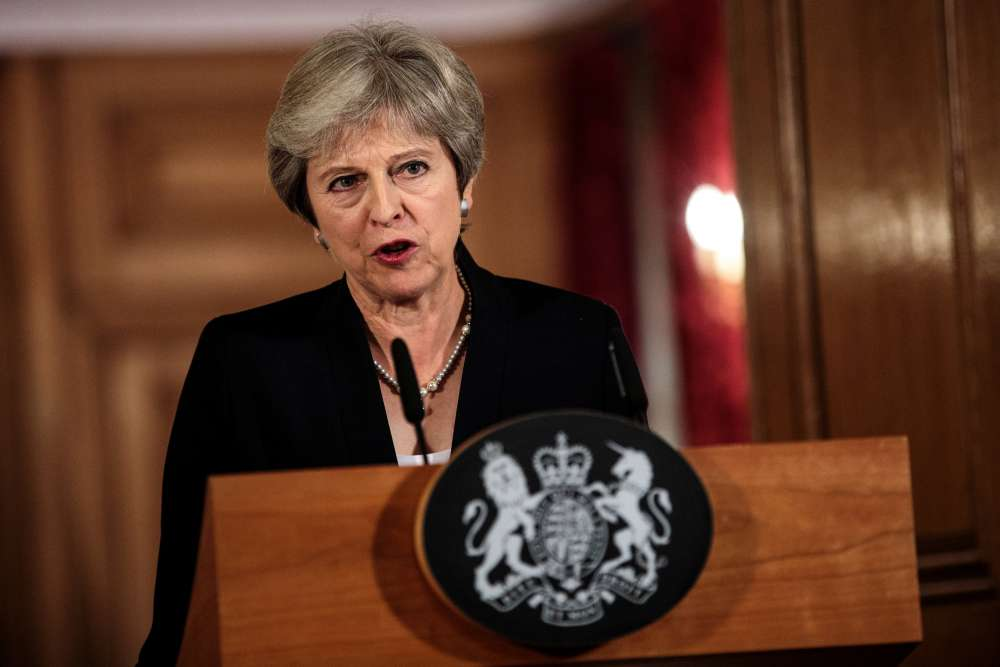Sterling sees worst day in a month on fear of challenge to PM May