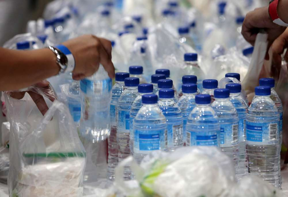 MEPs back EU ban on throwaway plastics by 2021