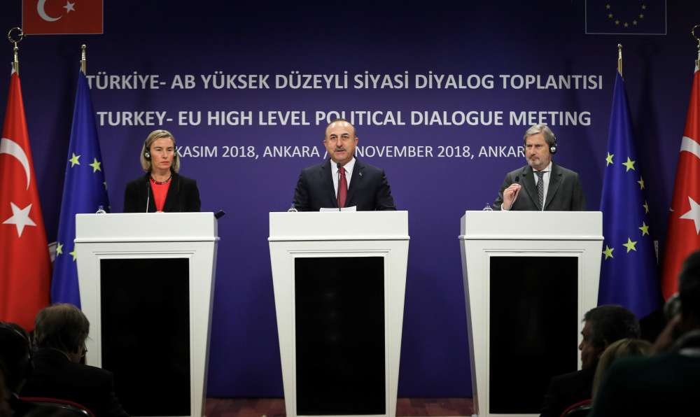 At tense Ankara news conference