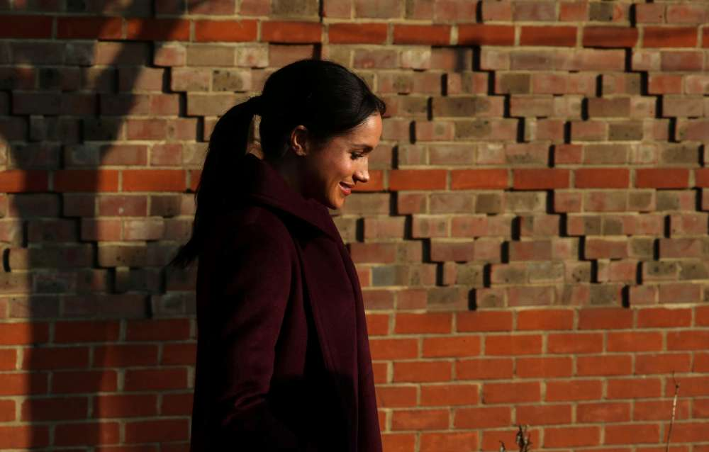 Meghan Markle's father appeals to Queen Elizabeth to get his daughter back in touch