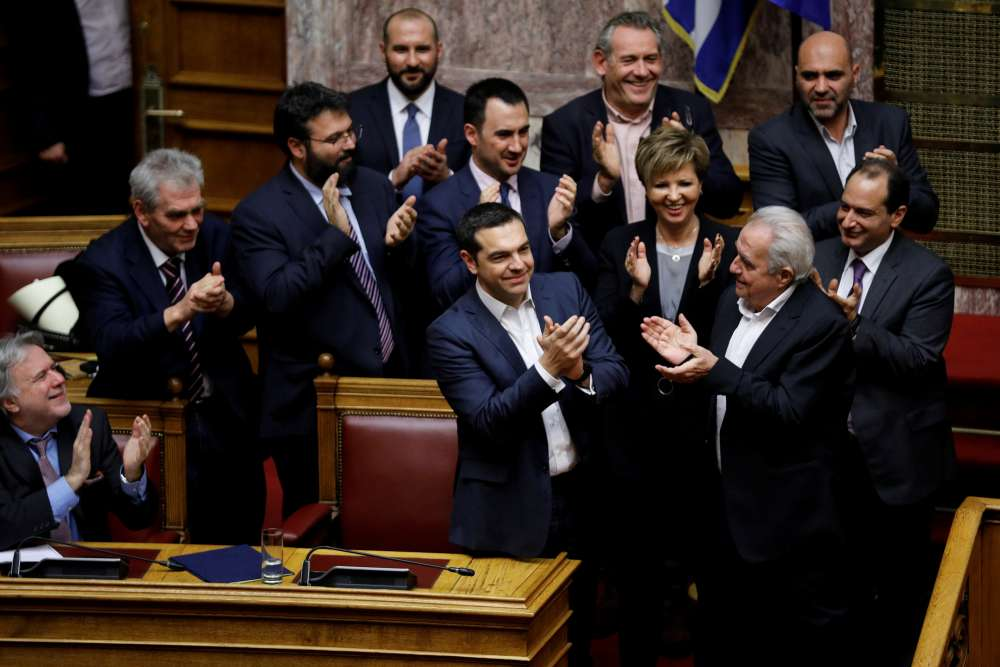 Greek PM Tsipras wins confidence vote