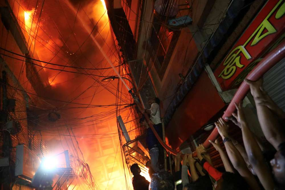 At least 70 killed in major Bangladesh blaze