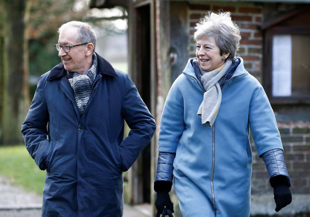 Theresa May faces heavy Brexit defeat in parliament