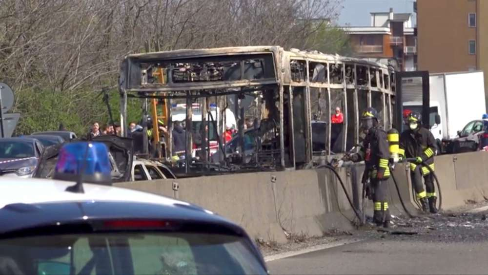 Bus full of children set alight by driver protesting against migrant drownings in Italy