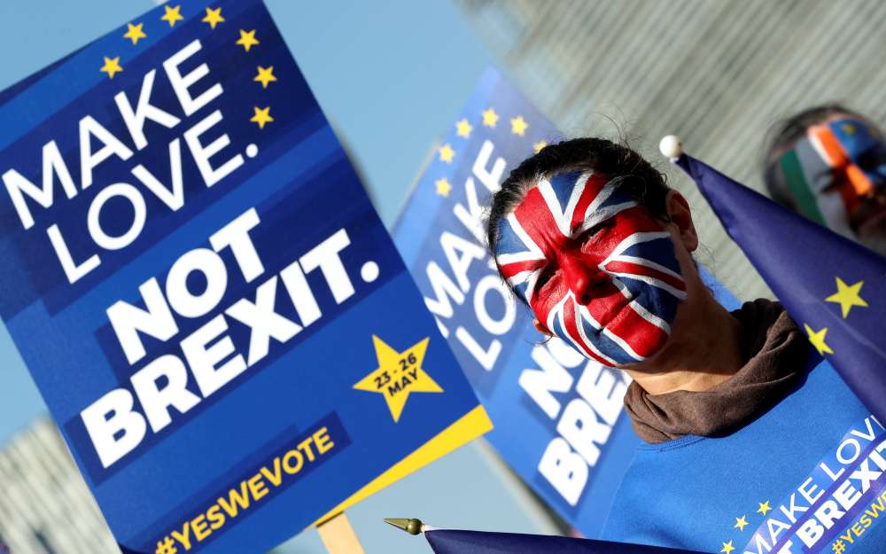 Stop Brexit: A million people sign UK petition to stay in EU