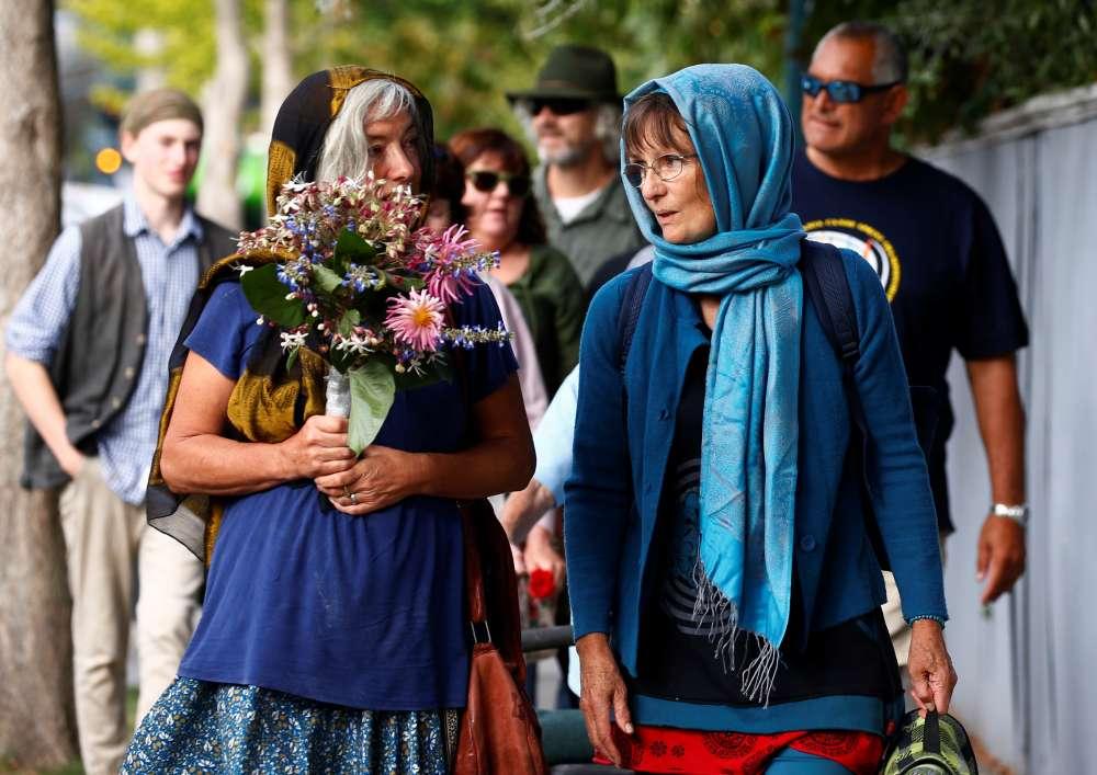 New Zealand: Thousands attend vigil