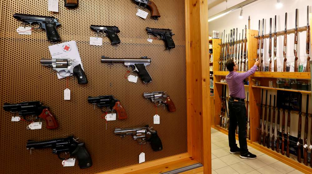 Swiss set to back tighter gun controls
