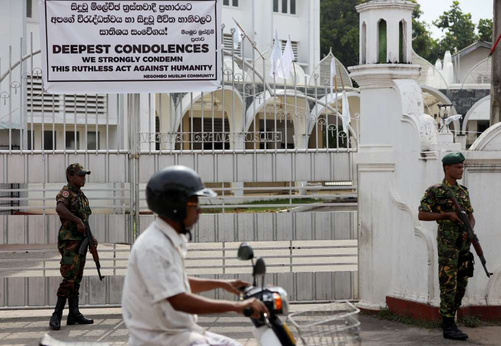 Sri Lankans urged to avoid mosques