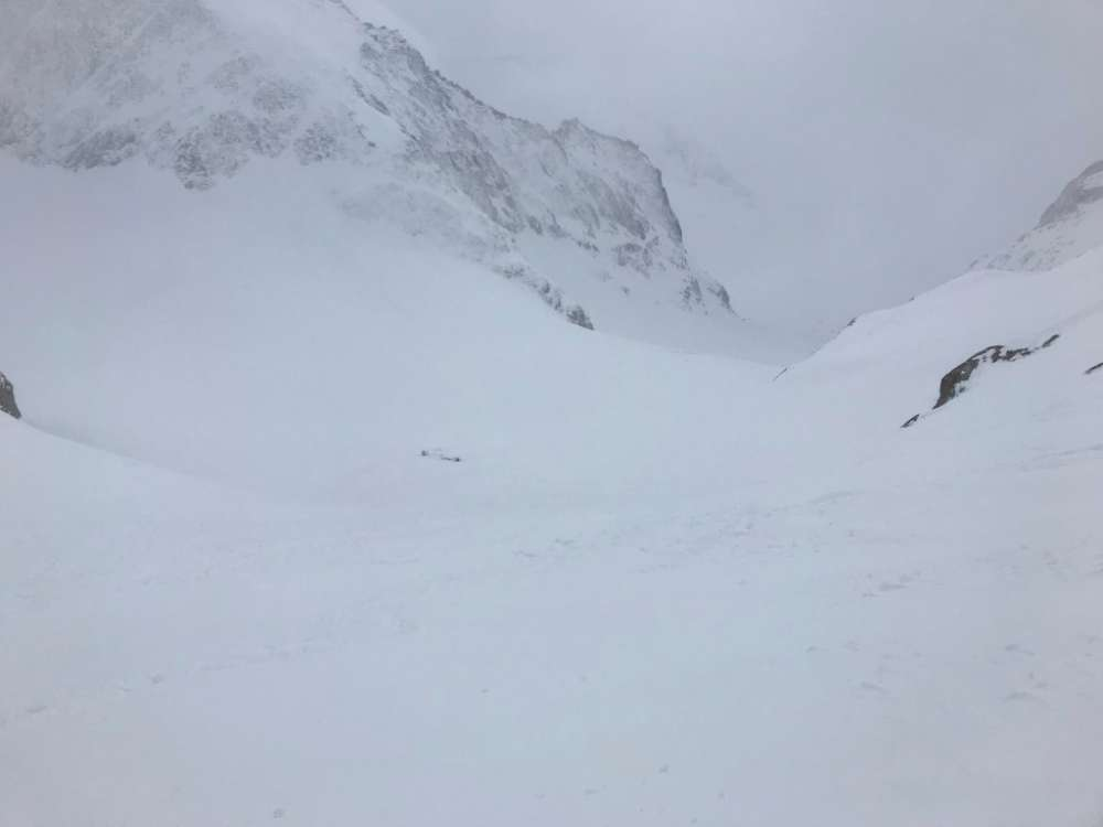 Swiss avalanche kills four skiers from Germany