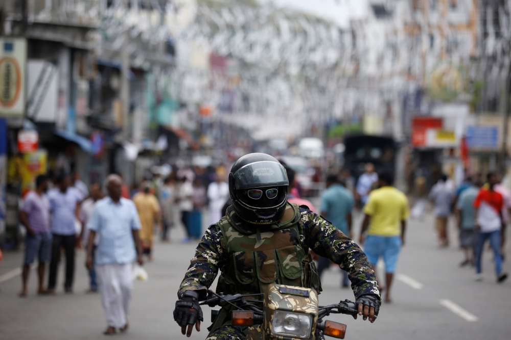 Sri Lanka on alert for attacks by militants disguised in uniforms