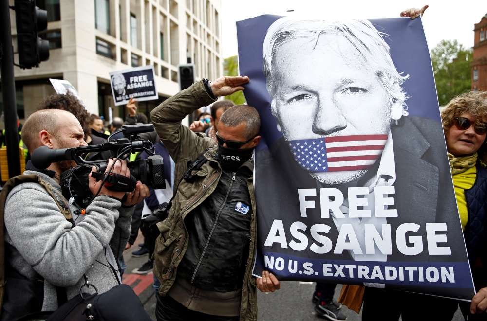 Sweden reopens Assange rape investigation