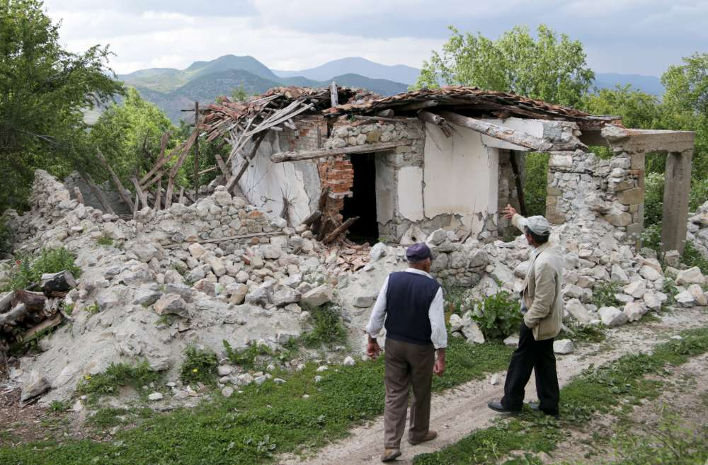 Quakes in Albania damage some homes