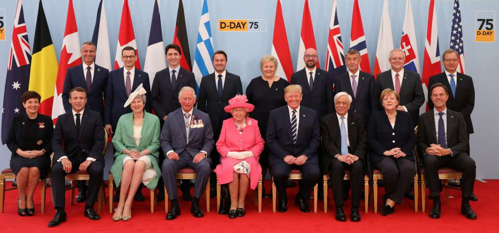 'Thank You' - Queen Elizabeth and world leaders applaud D-Day veterans (video)