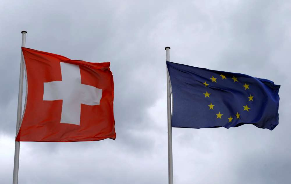 Swiss government lobbies for EU ties as