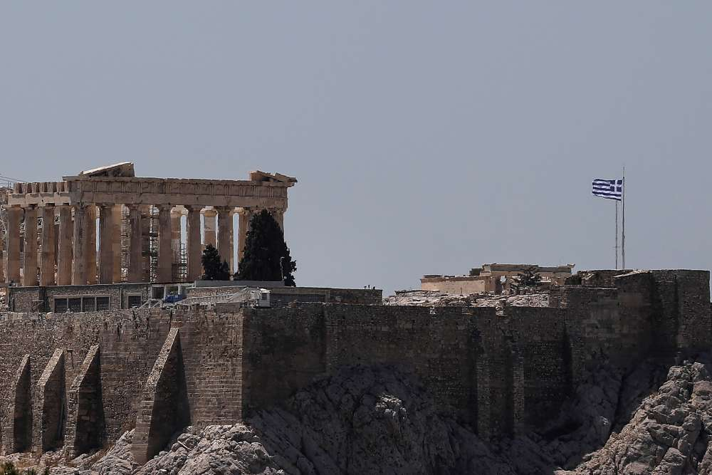 Greece briefly shuts the Acropolis as Athens sizzles