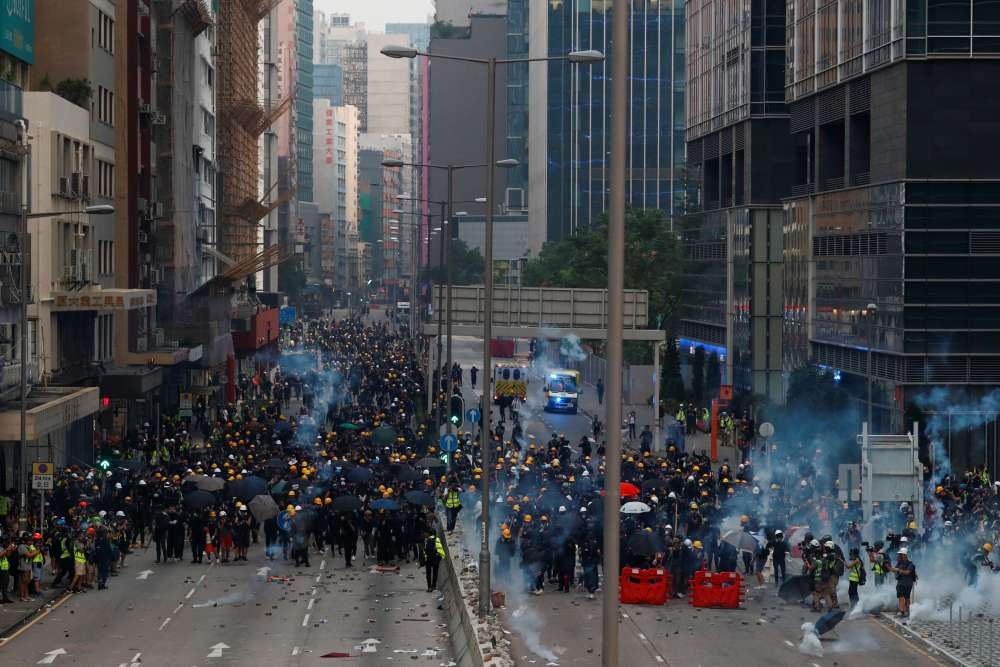 Hong Kong police arrest 29 as city returns to violence
