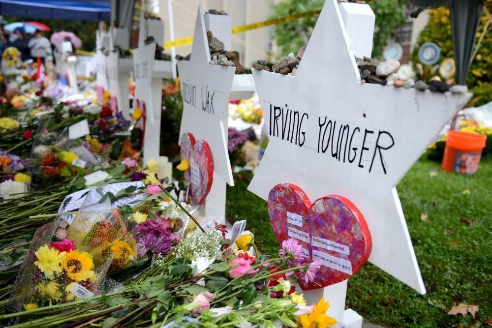 U.S. to seek death penalty for accused Pittsburgh synagogue shooter