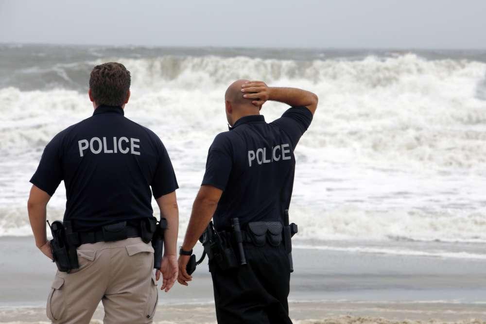 Hurricane Dorian skirts U.S. coast