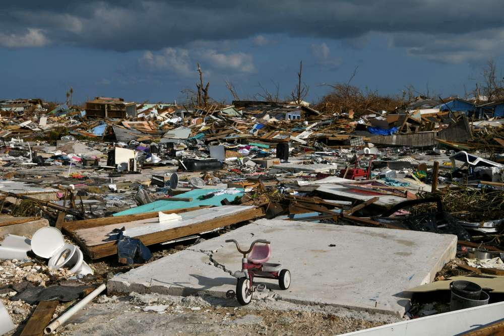 Tropical Storm Humberto lashes Bahamas