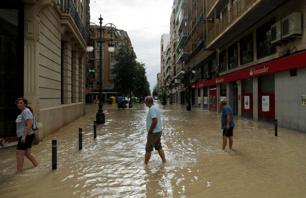 Spanish floods claim sixth victim