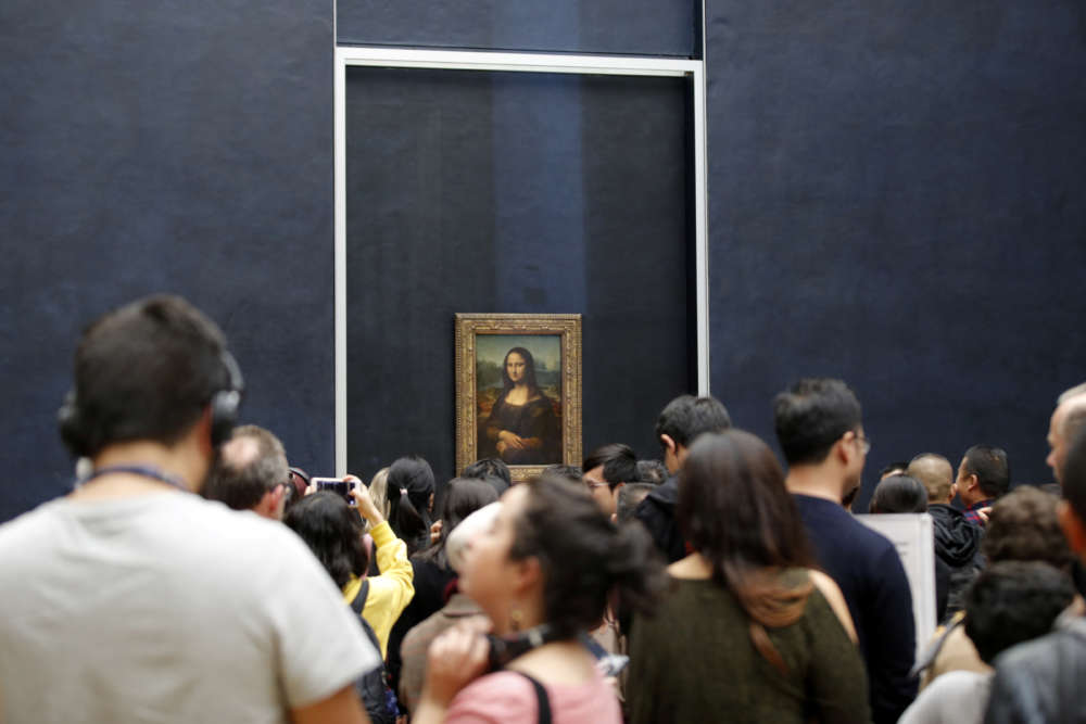 Louvre museum closed again as workers fret over coronavirus