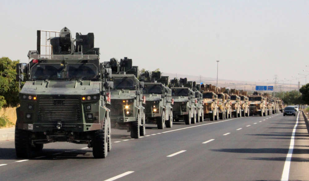 Turkish army launches push into Syria