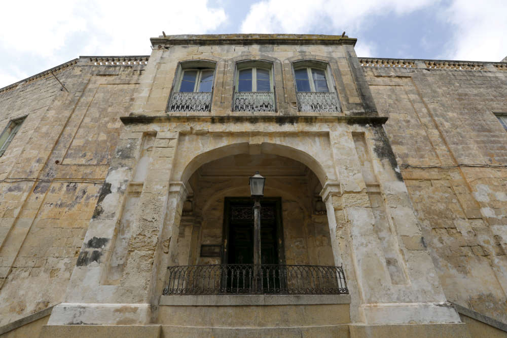 Malta buys property Queen Elizabeth once called her home