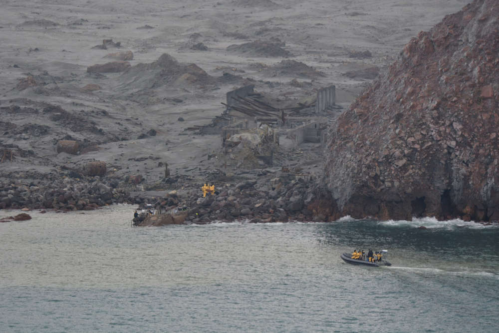 Six bodies retrieved from NZ volcanic island