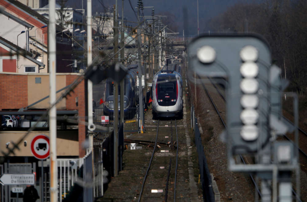 Twenty hurt after high-speed train derails in eastern France