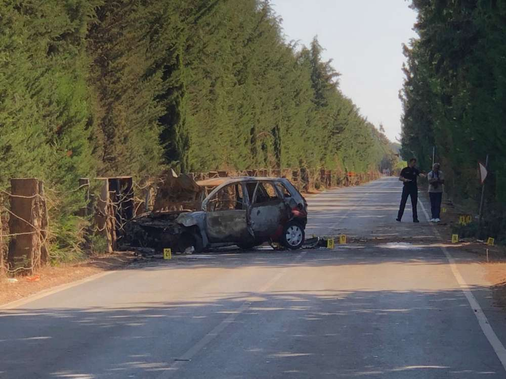 Limassol: 23 year old man tragically dies in car fire (pics)