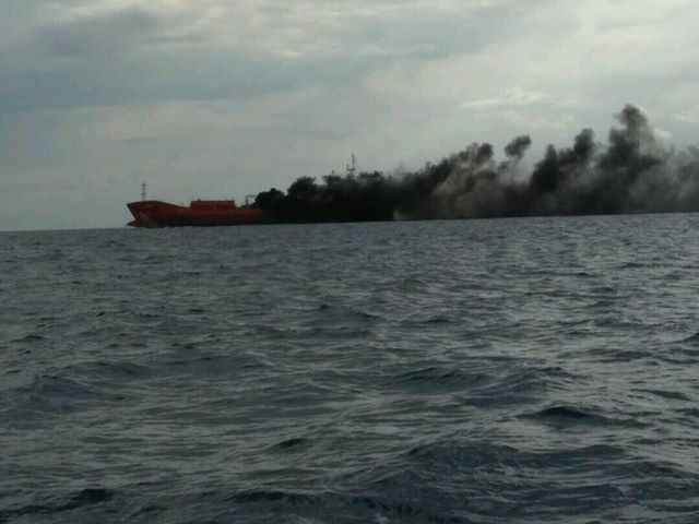 Fire in tanker ship off Larnaca coast - crew seriously injured (video+pictures)