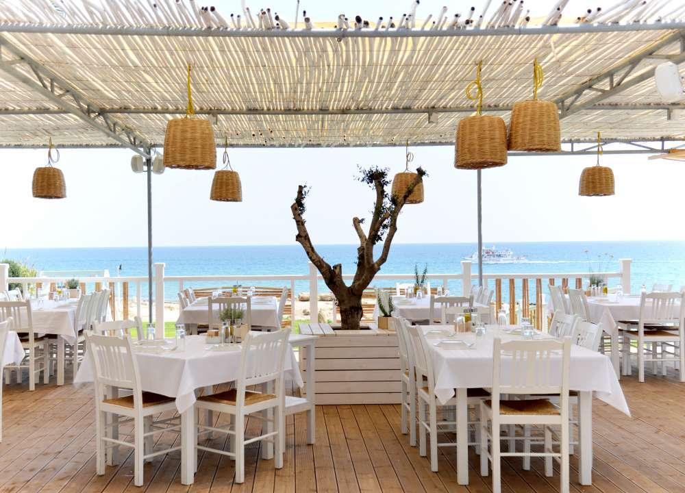 Aigialos beach bar