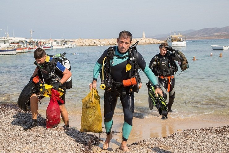 Divers remove rubbish from Akamas seabed
